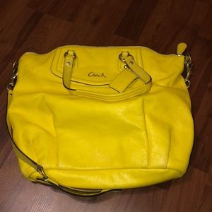 Yellow coach purse!💛